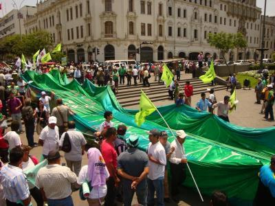 Gran Marcha Global en Defensa de la Madre Tierra (10/Dic) en Lima
