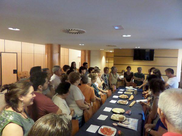 La población de Tarazona, en Zaragoza, reflexiona sobre el modelo agroalimentario de producción y consumo