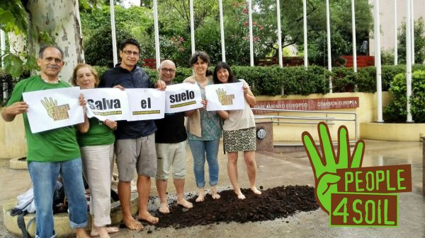 Pedimos a la Comisión Europea que se proteja el suelo por ley