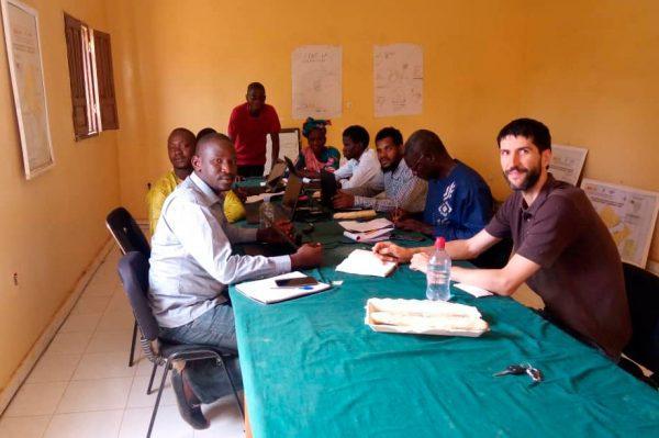 Los equipos de CERAI en Mauritania y Mali intercambian experiencias sobre el sistema de riego californiano